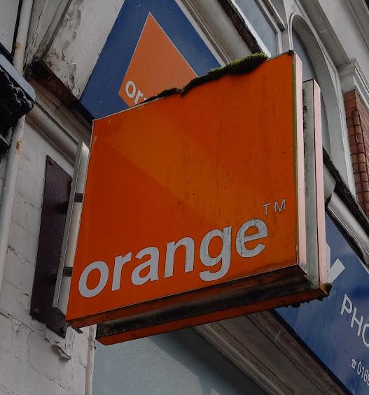Tiny Phones Orange mobile shop in Oswestry