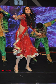 Bollywood Actress Model Sunny Leone Dance Performance in Red Half Saree at Rogue Audio Launch 13 March 2017  0177.jpg