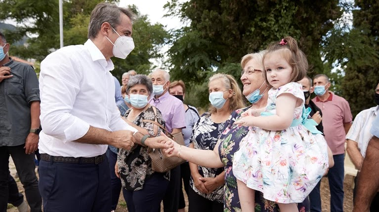 Περιοδεία Μητσοτάκη στη Μεσσηνία: Τι είπε για τους εμβολιασμούς παιδιών