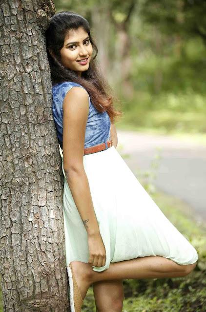 Telugu Actress Divya Latest Hot Pics Navel Queens