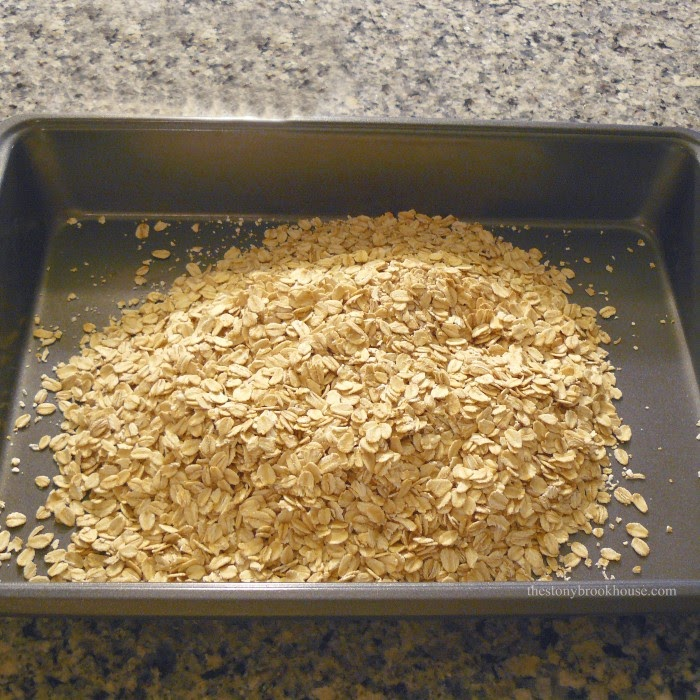 2 1/2 cups of old fashioned oats in a pan