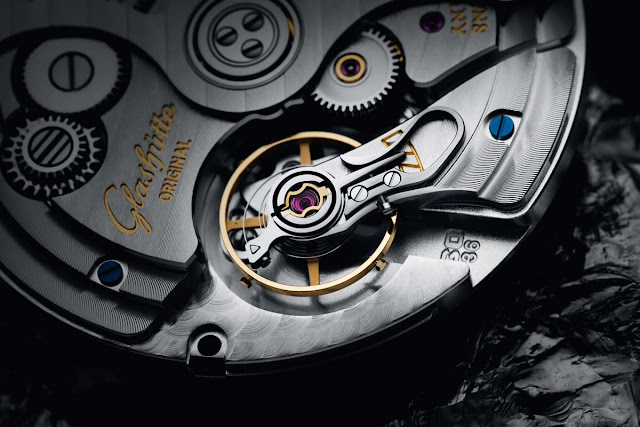 the Calibre 36 powering the Glashütte Original Senator Excellence Panorama Date