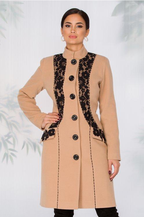 Palton elegant de femei de iarna bej cu broderie neagra handmade