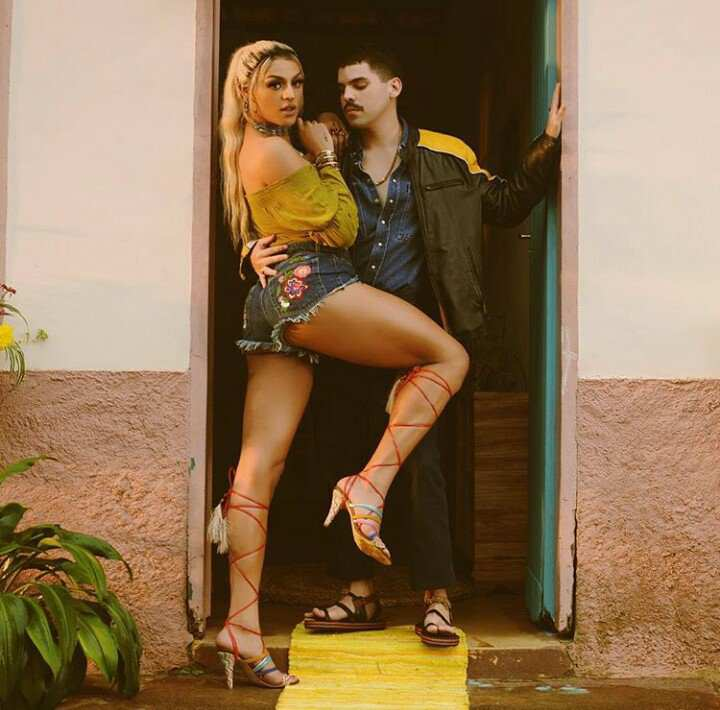 """Saiu! Pabllo Vittar lança clipe de """"Corpo Sensual"""" em parceria com Mateus Carrilho, vem ver!"""