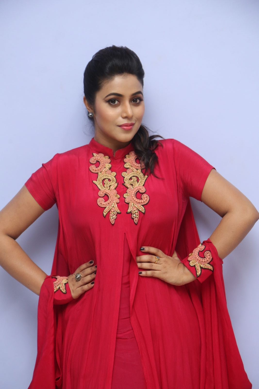 poorna new glamorous photos-HQ-Photo-5