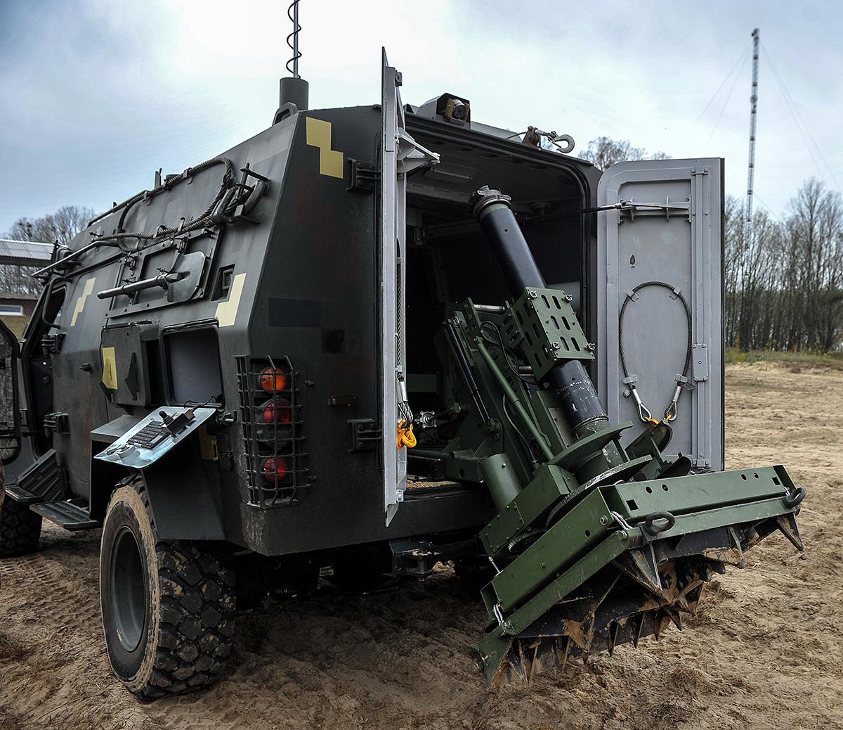 Укроборонсервіс придбав шість бронеавтомобілів Барс-8