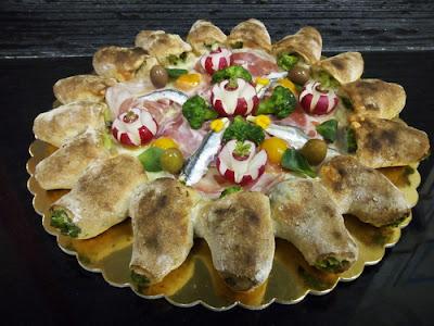 Easi Pizza con acciughe di Cetara marinate e olive di Gaeta