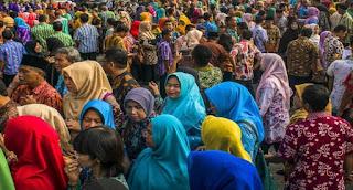 Pejabat Dan Pegawai Wajib Pakai Batik Saat Hari Batik