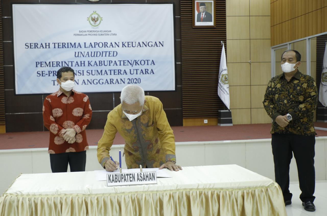 Serahkan LKPD Tahun 2020 Kepada Kepala BPK Perwakilan Sumut, Bupati Asahan  Harapkan Kembali Meraih WTP