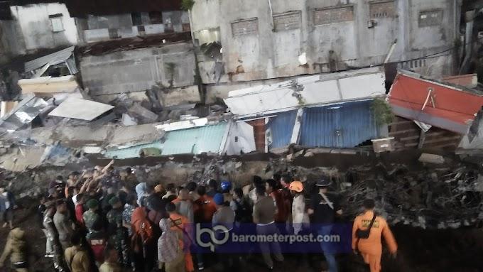 Gubernur Khofifah Cek Lokasi Bencana  Pertokoan Jompo Ambruk