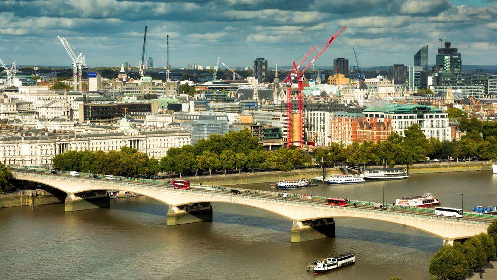 Мост Ватерлоо в Лондоне. Фото: Мори Хилл   Dreamstime.com