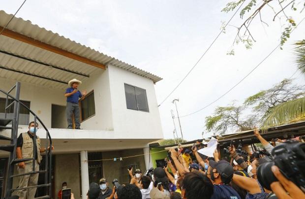 Pedro Castillo: no somos comunistas ni chavistas ni terroristas