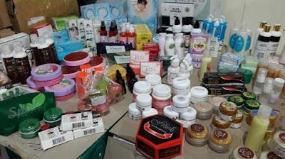 Gambar Kosmetik Palsu