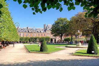 Paris : Place des Vosges, les grandes destinées d'une place royale - IVème