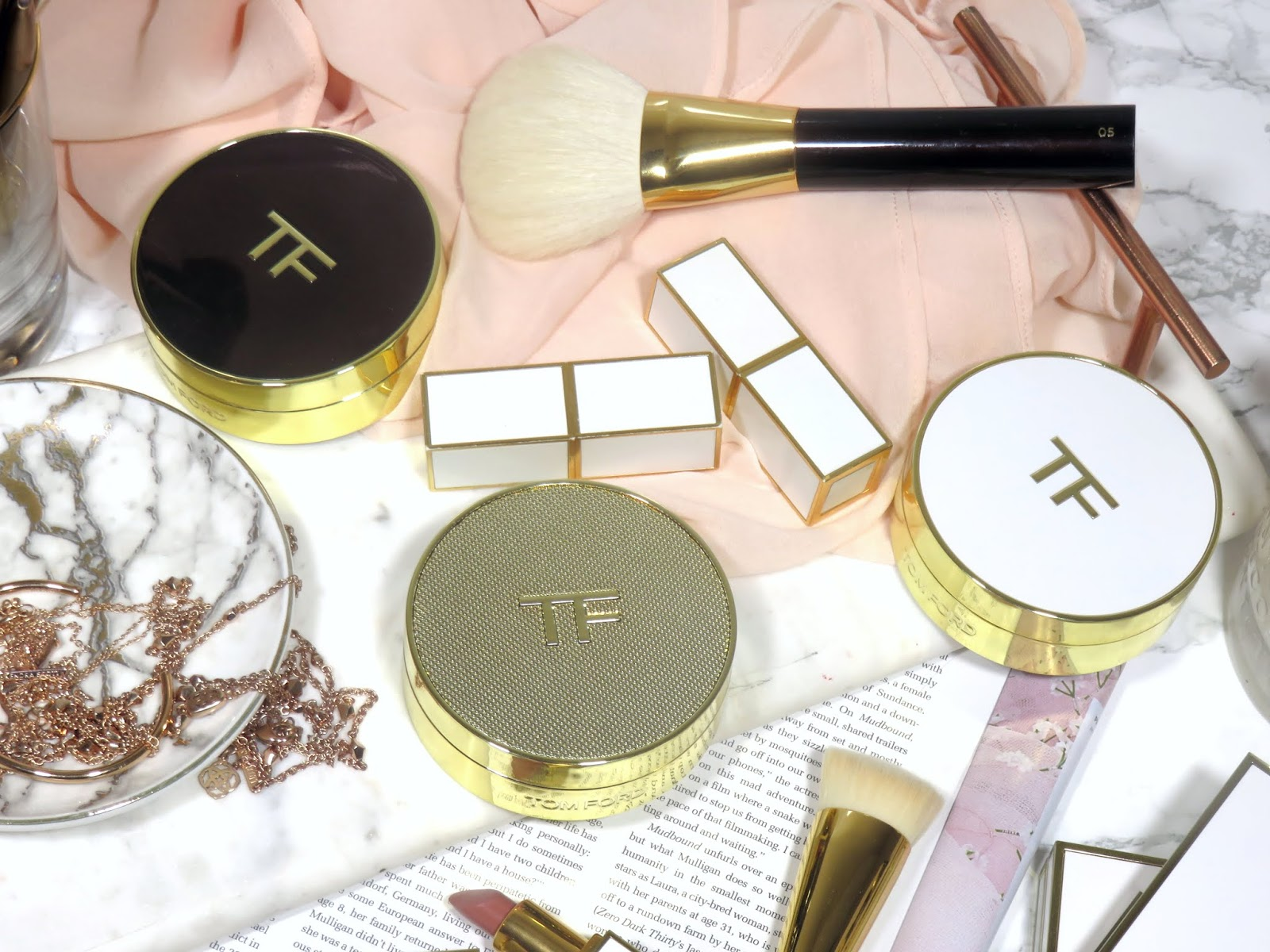 Tom Ford Shade and Illuminate Soft Radiance Cushion Compact Foundation