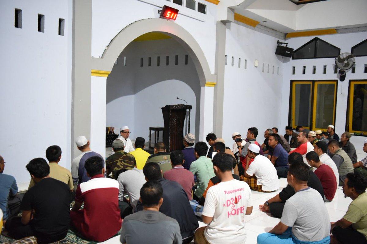 """Jawaban Nyelekit untuk Pertanyaan Masjid-Masjid Kok """"Dikuasai"""" PKS"""
