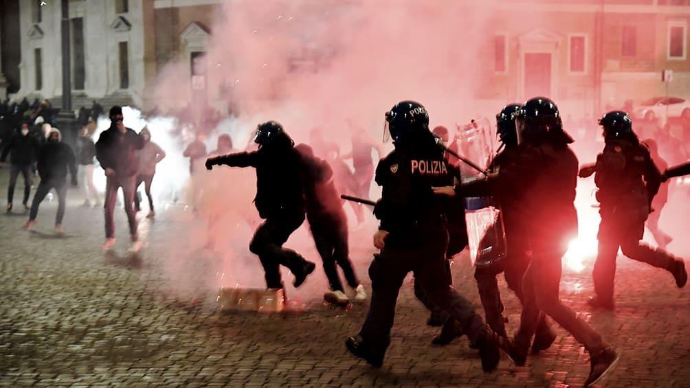 Preocupa al Gobierno italiano la radicalización de las marchas contra las medidas por el coronavirus