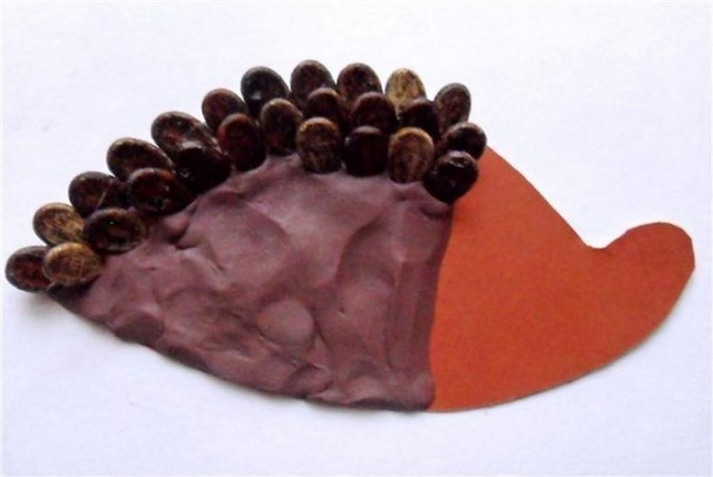 Картинка из арбузных косточек