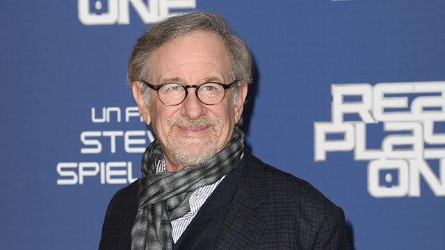 spielberg ready player one scarf