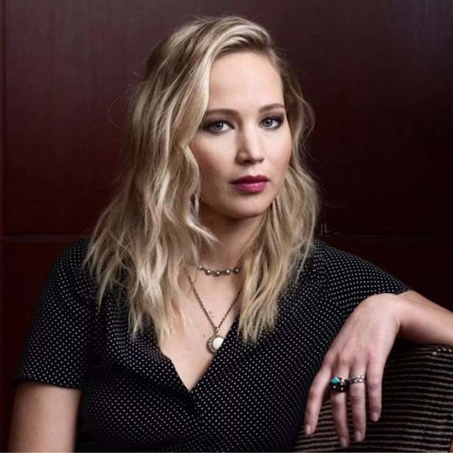 Jennifer Lawrence sexy images
