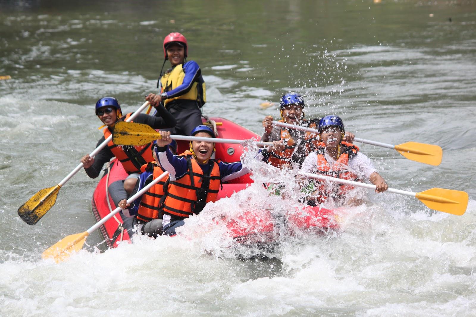 Arung Jeram Sungai Progo Atas Magelang Grade 3 + Murah
