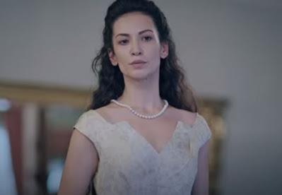 Kırmızı Oda Alya'nın Annesi Kimdir?