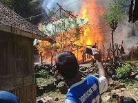 Kebakaran di Mandala Wera, Mobil Damkar Dilempar Warga