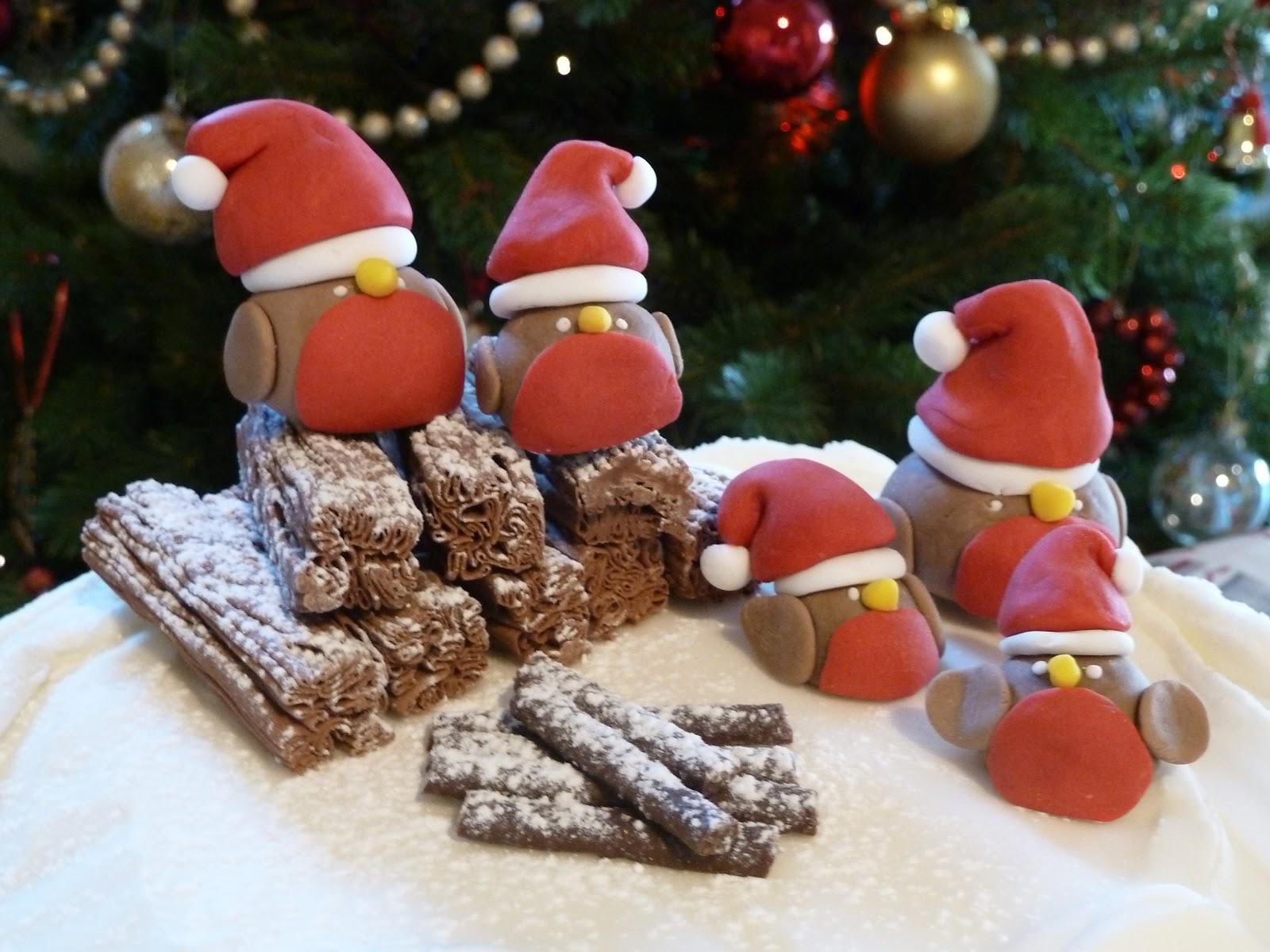 Festive Robin Sugar Paste Decorations