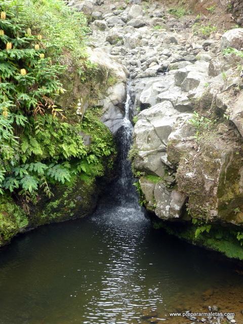 cascadas y senderismo en las islas Azores