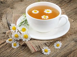 cara menghilangkan kelemumur cuka dan teh chamomile