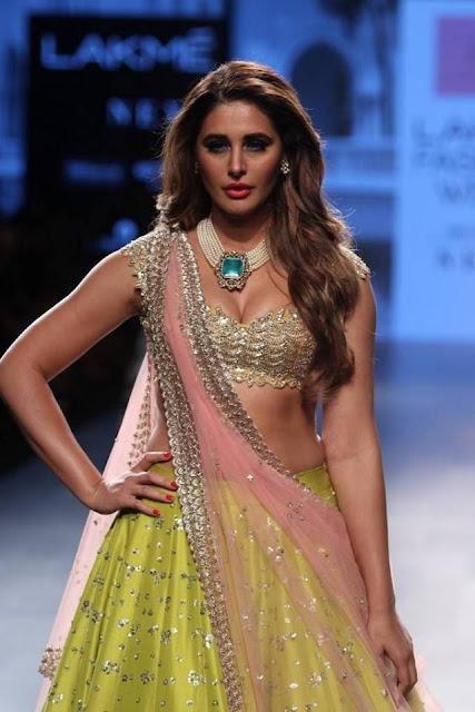 Nargis Fakhri cleavage pics
