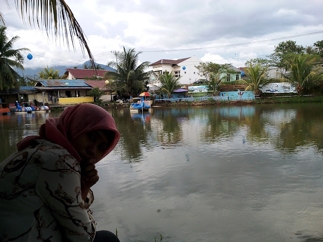Santai Sejenak di Kolam Bebek Payanggar