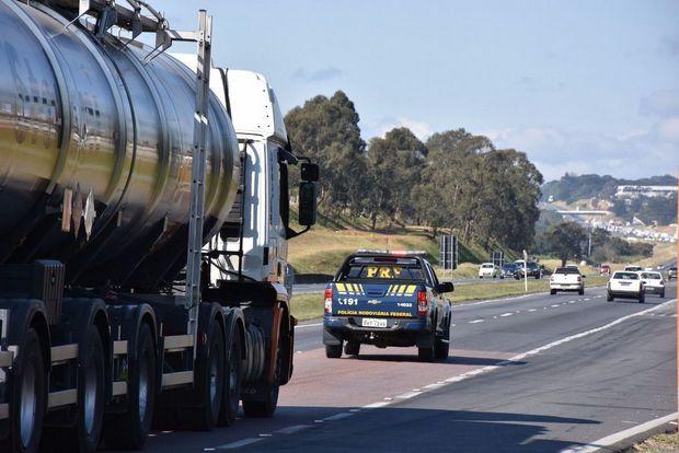 Justiça concede liminar e Santa Cruz do Capibaribe terá quatro caminhões de combustíveis