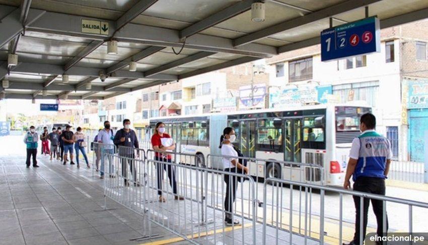 Ministerio de Transportes reduciría a un tercio la capacidad del transporte público