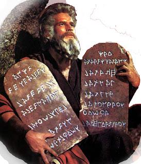 Resultado de imagen para ¿Qué dice la ley de Moisés?