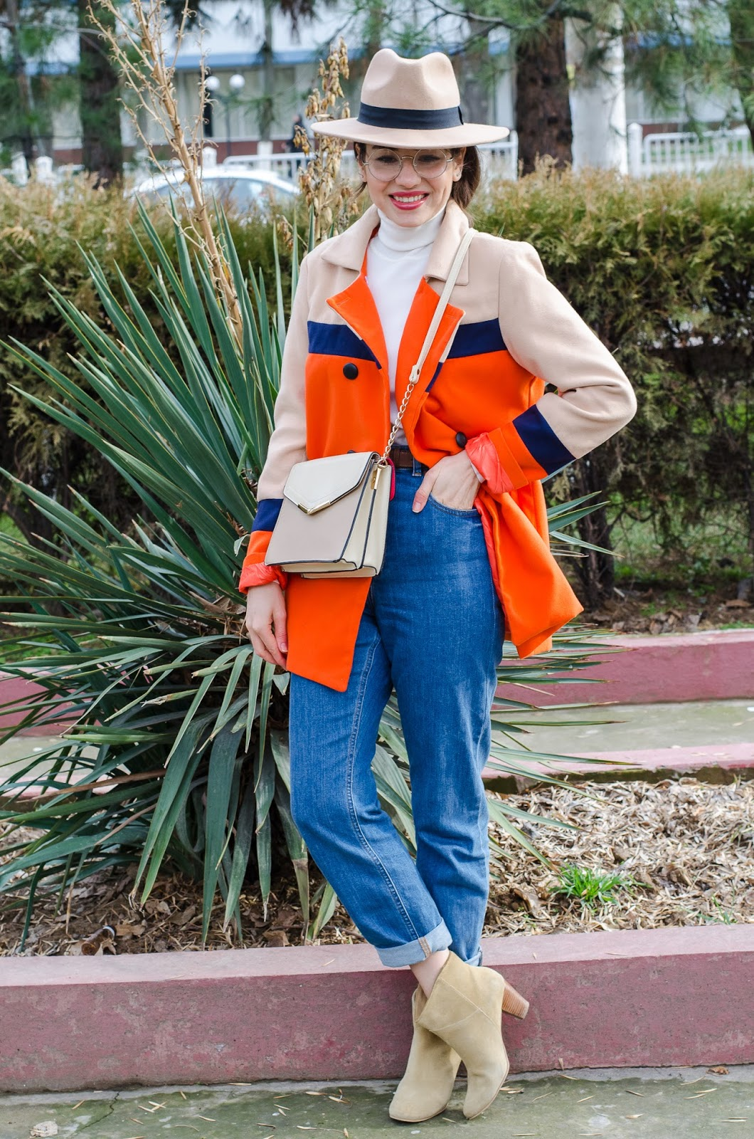 fashion blogger diyorasnotes mom jeans orange coat colorblock uncle boots 35 - COLOR BLOCKING OUTFIT