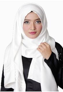 Jilbab Instan Warna Putih Cantik