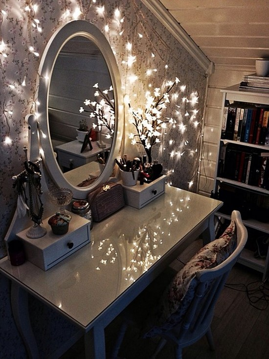 Antique-Which-Vanity-Table-with-Oval-Mirror-and-Lighting 20 Unbelievable Make-up Self-importance Desk Concepts Interior