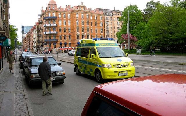 ambulancia_anuncia_en_radio