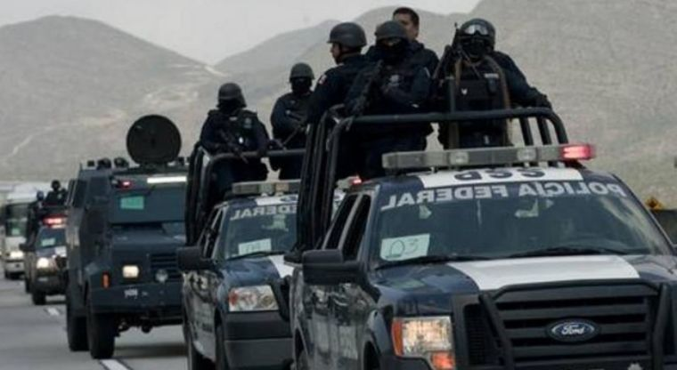 Grupo armado instala retén ilegal en Sinaloa