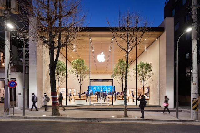 Apple's First Retail Store In South Korea And The 500th In The World Opened To The Public Today