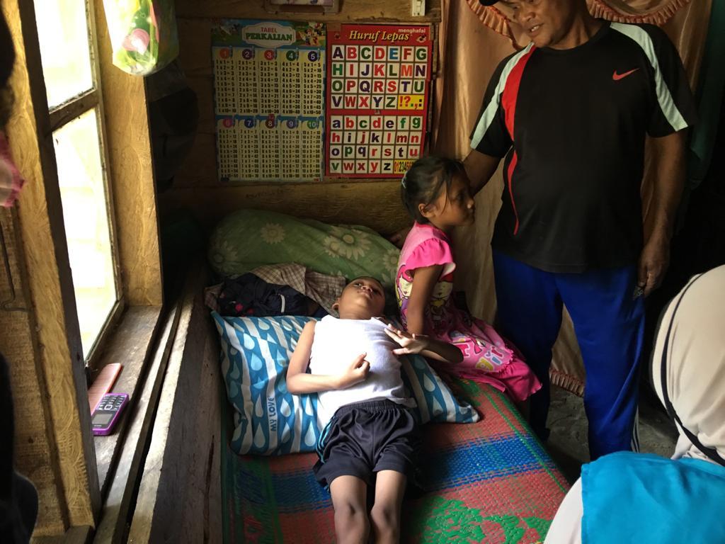 Wardhana Anak Piatu yang Lumpuh Layu, Butuh Peratian Dermawan