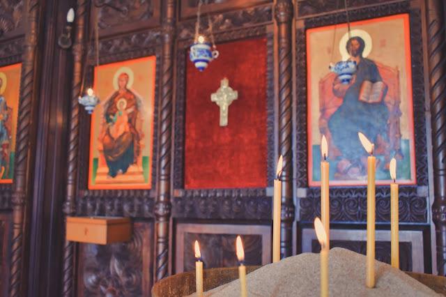 Amatorzy architektury powinni skierować się do cerkwi św. Bogurodzicy z XV wieku, która powstała na ruinach wczesnochrześcijańskiego kościoła