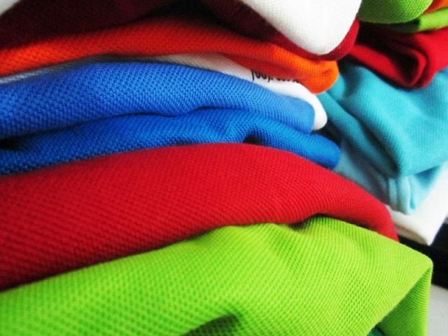 Thun trơn được nhiều người lựa chọn để may áo phông đồng phục