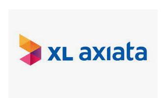 EXCL XL AXIATA DONASIKAN 100 LAPTOP KE 12 PESANTREN