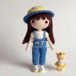 http://www.crochetyamigurumis.com/muneca-de-crochet/