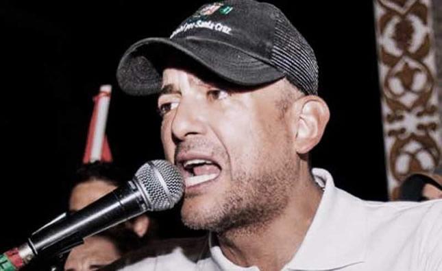 Fernando Camacho renuncia al Comité Cívico de Santa Cruz para habilitarse como candidato presidencial