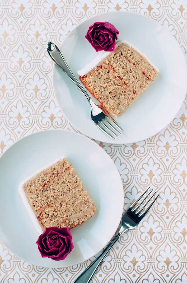 {table for two | recipe : almond cake with sugar peonies & roses}