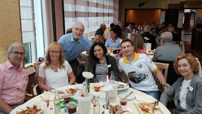 Ludwig e Heike Stolz, Percival Lafer, Iracema Rocha, Miro Dudek e Branca Lafer: um almoço inusitado. (foto: MP Lafer Germany)