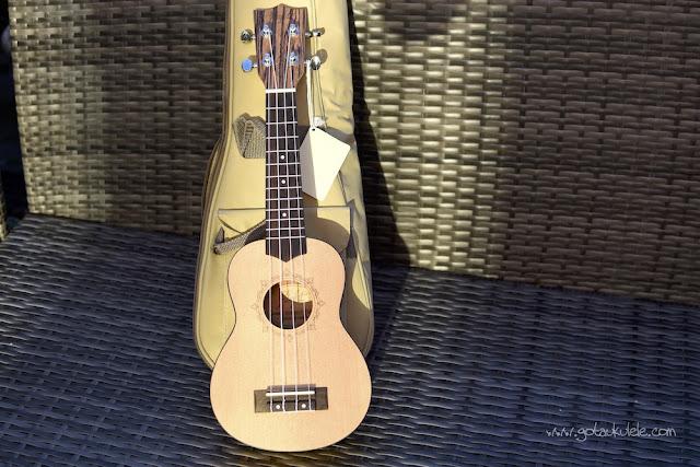 Flight DUS 320 SP/ZEB Soprano ukulele